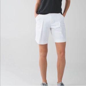 Lululemon   White Long Story Shorts Pleat size 10